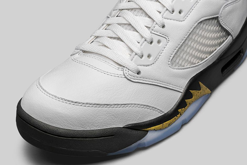 AIR-JORDAN-5-RETRO-WHITE-METALLIC-GOLD-DETAIL-2