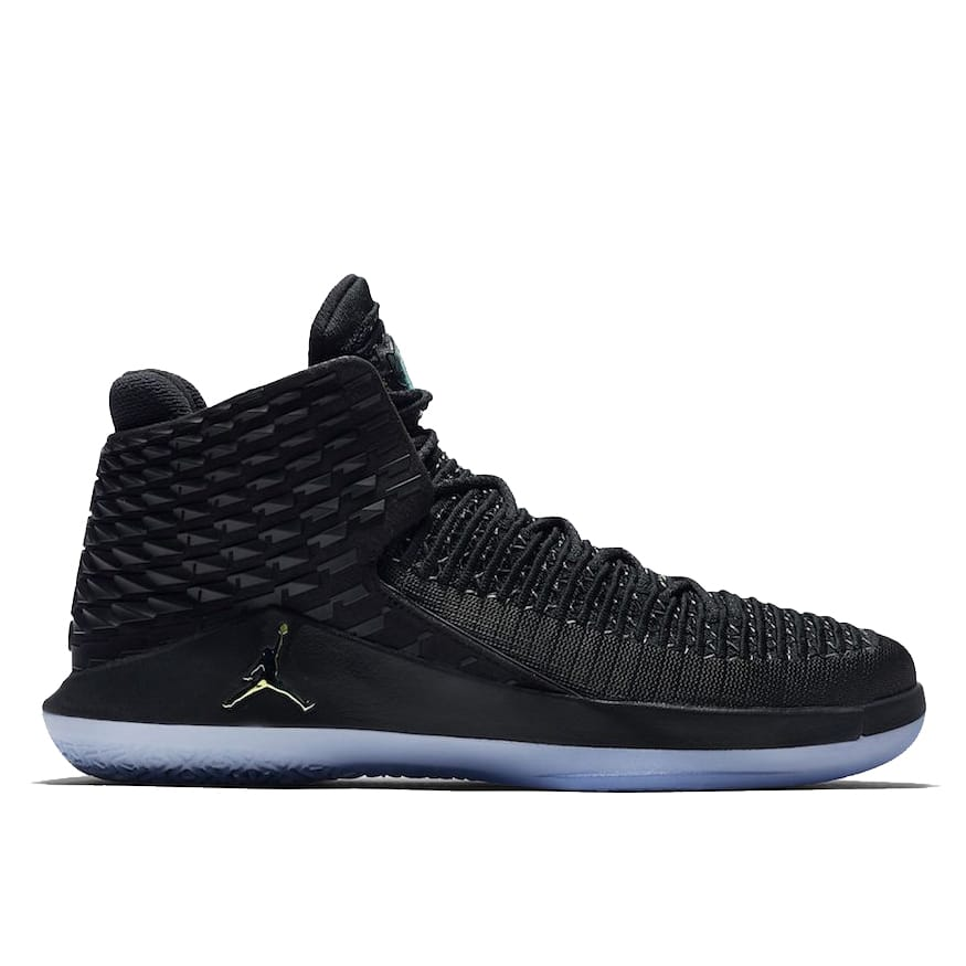 "AIR JORDAN XXXII Mid ""Black Cat"" AA1253-003"